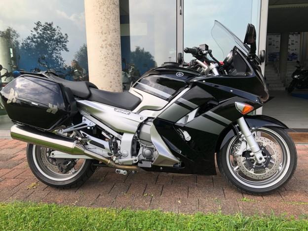 Yamaha fjr1300 km 25200 1