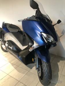 Yamaha T-MAX 530 DX 2