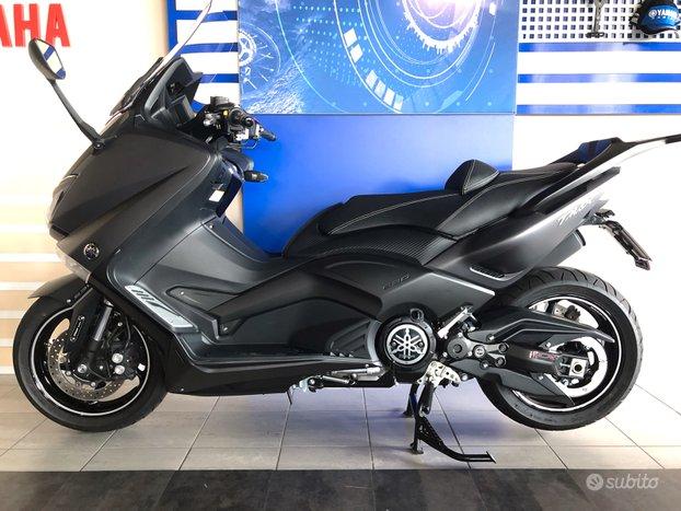 Yamaha T-MAX 530 2016 1
