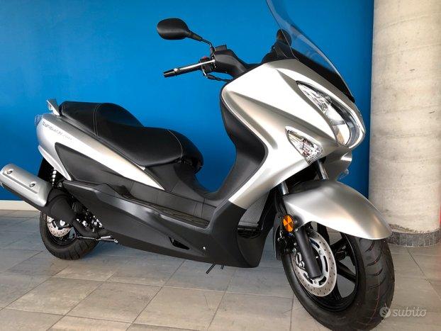 Suzuki Burgman 200 km 0 1